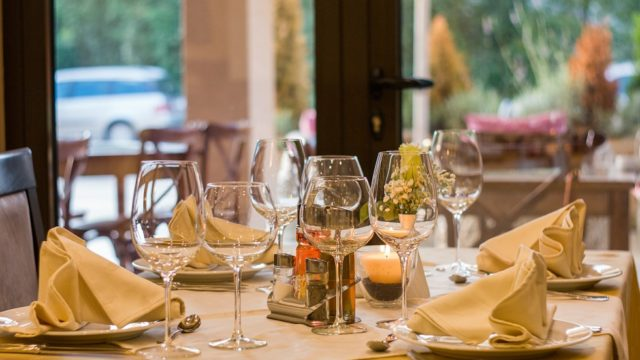 レストランの座席の画像
