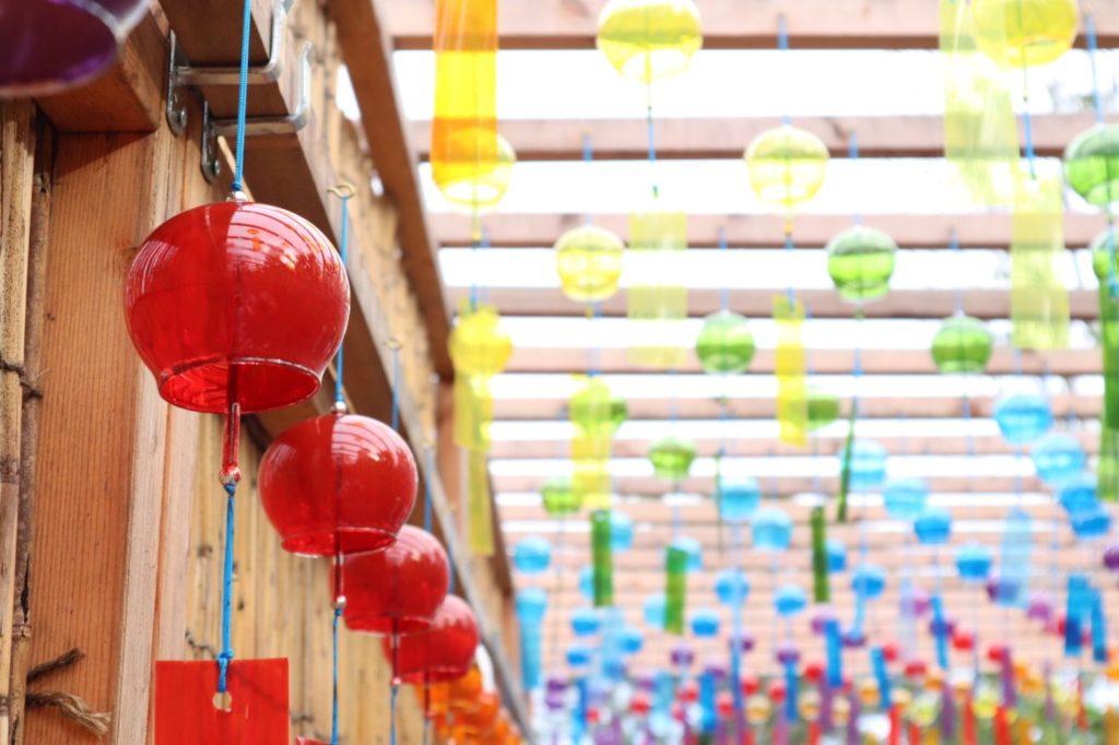 びわこ箱館山の赤い風鈴の画像